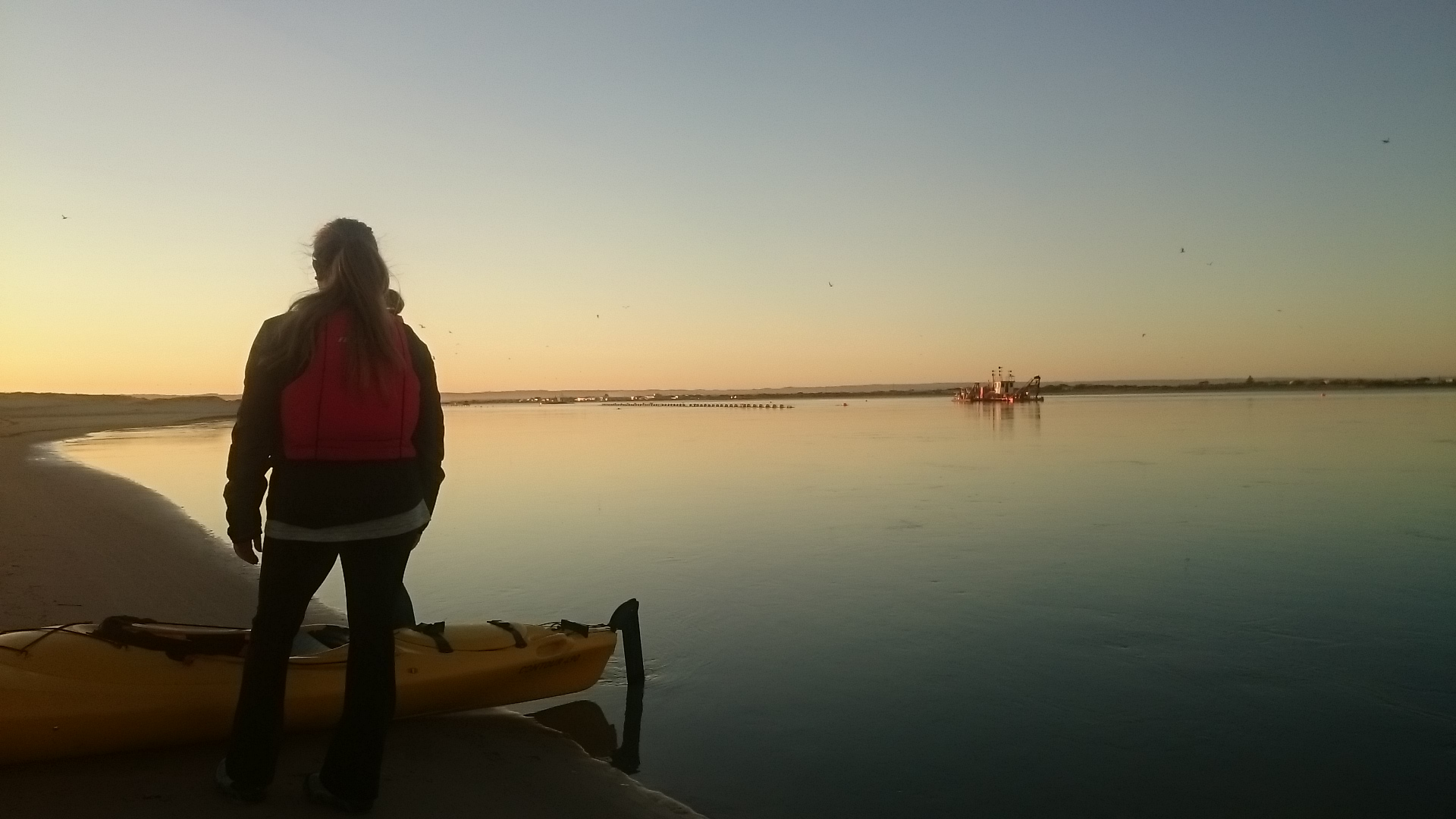 Kayak the River Murray with Canoe the Coorong